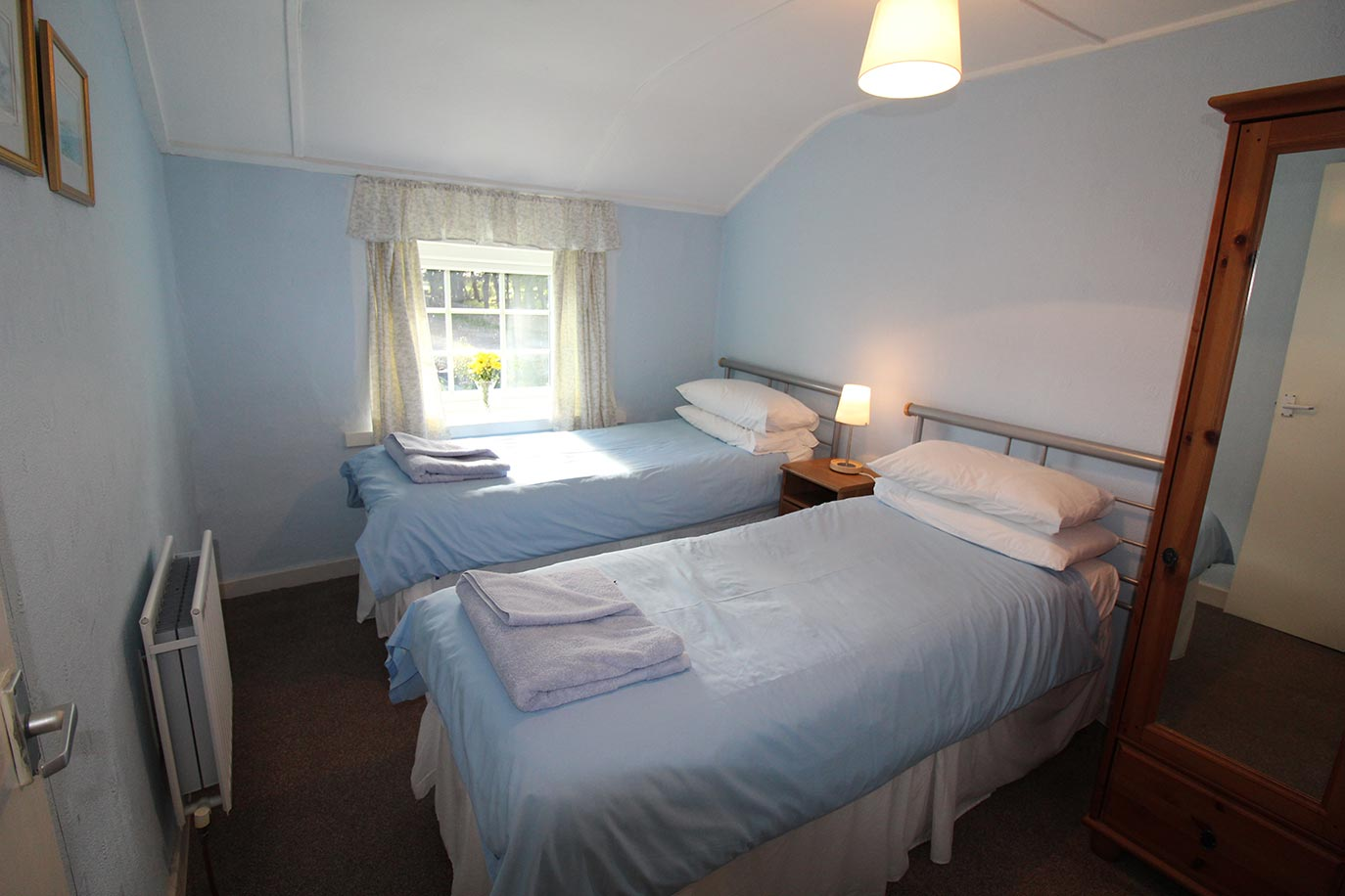 No 3 Farm Cottage twin bedroom | Burradon Farm Houses & Cottages