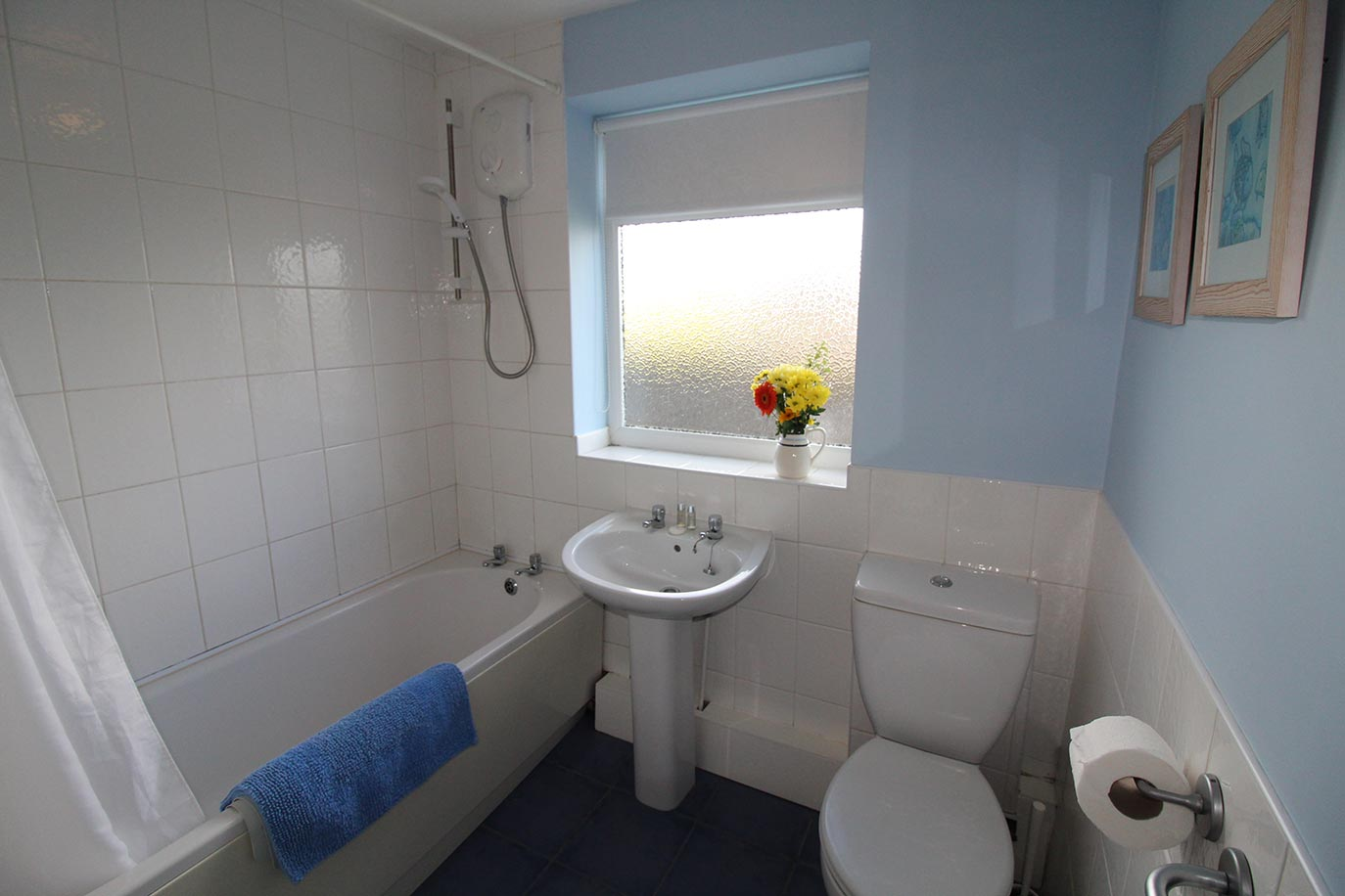 No 3 Farm Cottage family bathroom | Burradon Farm Houses & Cottage
