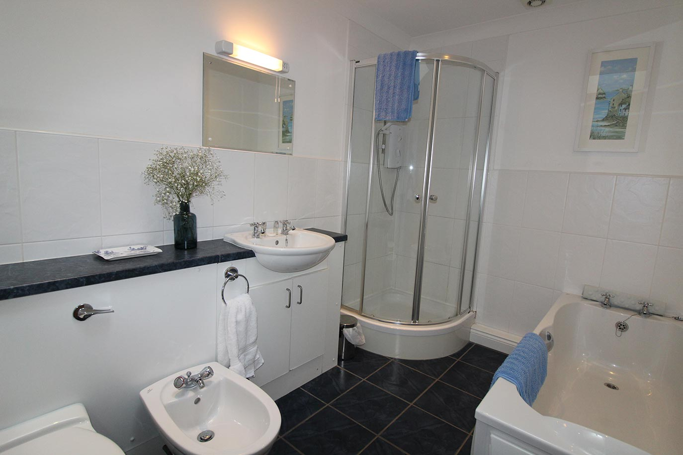 Jacobswell House family bathroom | Burradon Farm Houses & Cottages