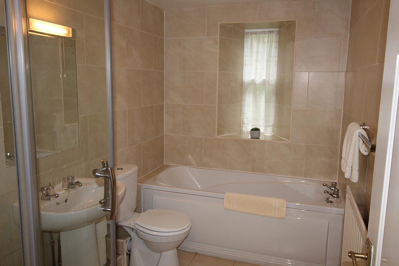 Forge Cottage family bathroom | Burradon Farm Houses & Cottages