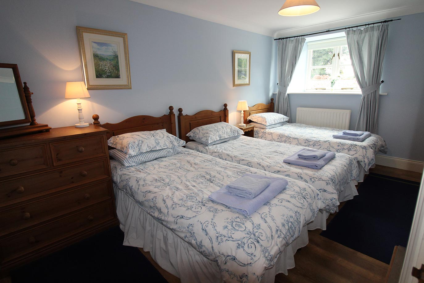 Jacobswell House triple bedroom | Burradon Farm Houses & Cottages